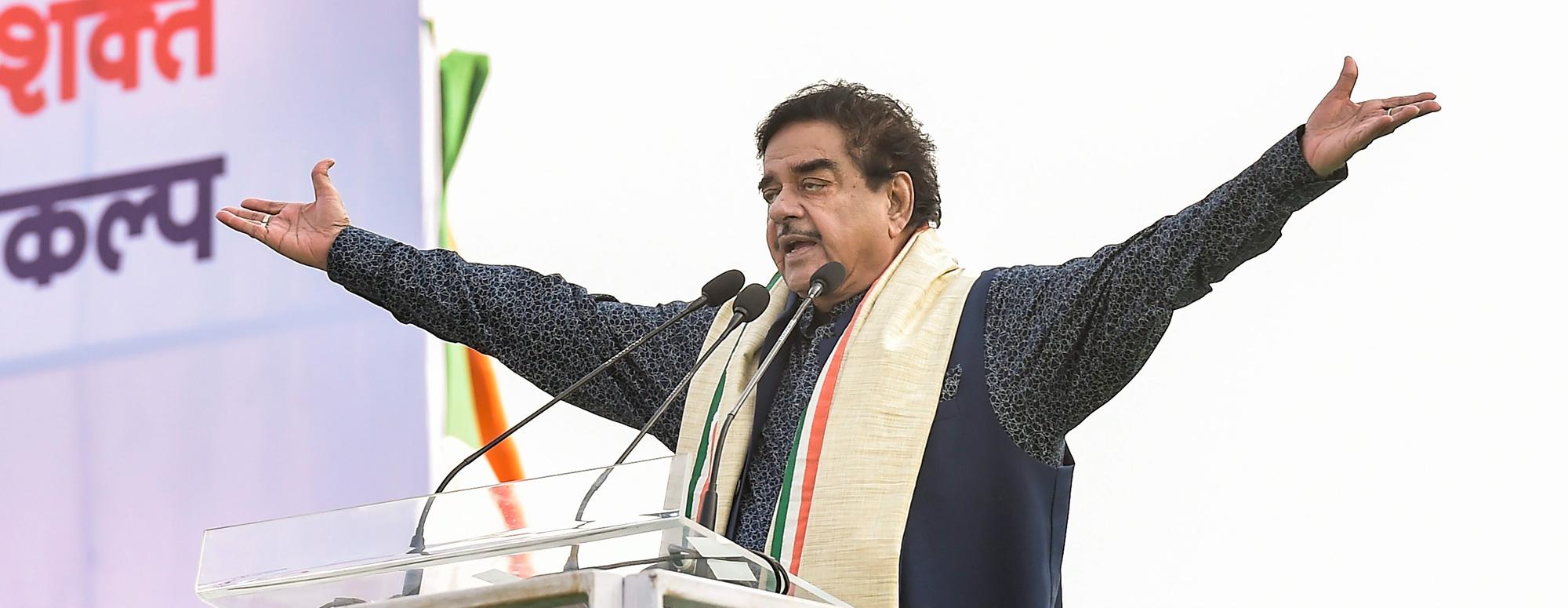 Actor-MP Shatrughan Sinha addresses during Trinamool Congress (TMC)'s mega rally 'Brigade Samavesh' in Calcutta on Saturday, January 19, 2019.