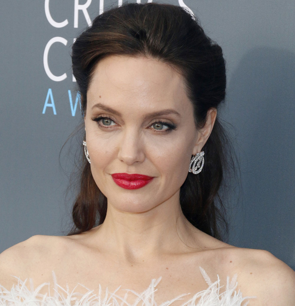 Angelina Jolie suffered from Bell's Palsy