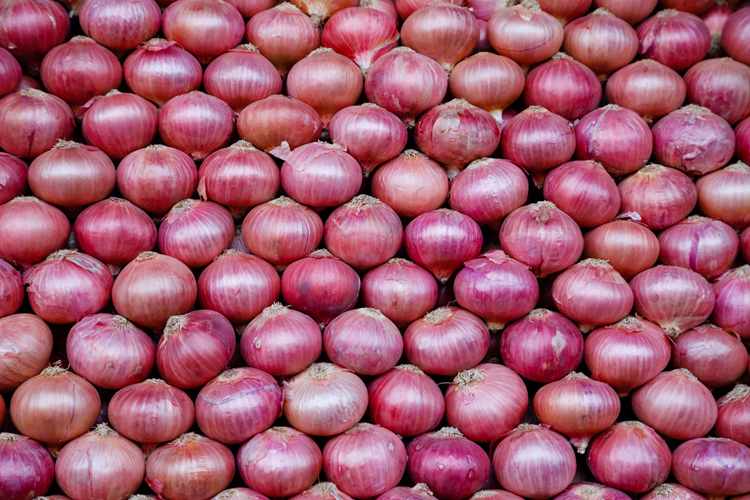 The price of onion has swung from Rs 23-24 a kilo in December last year to Rs 140-150 a kilo this winter