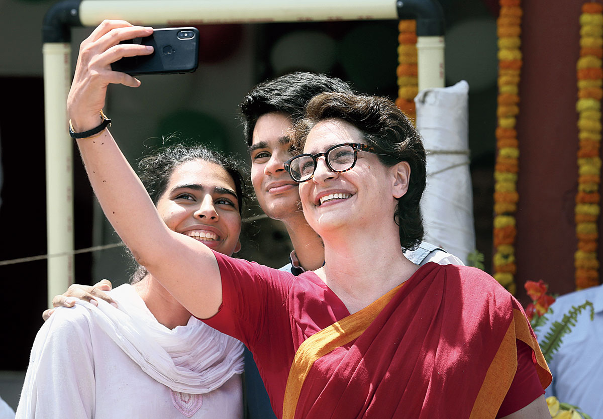 'Happy' Rahul dares Modi to Rafale debate