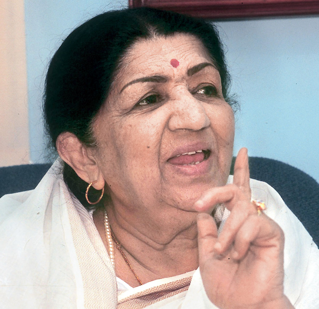 Lata Mangeshkar : Ageless Nightingale