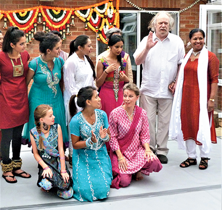 Mick Taylor and Alpana Sengupta with dancers, Cambridge, 2013