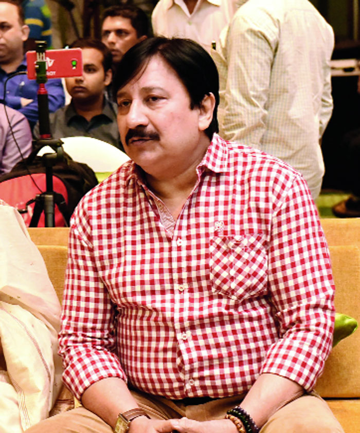 Arjun Chakraborty played a gracious host along with wife Nilaanjana.