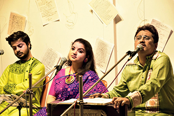 A moment from Madhur Tomar -- Songs of Tagore, presented by Cozmic Harmony at Gallery Gold.