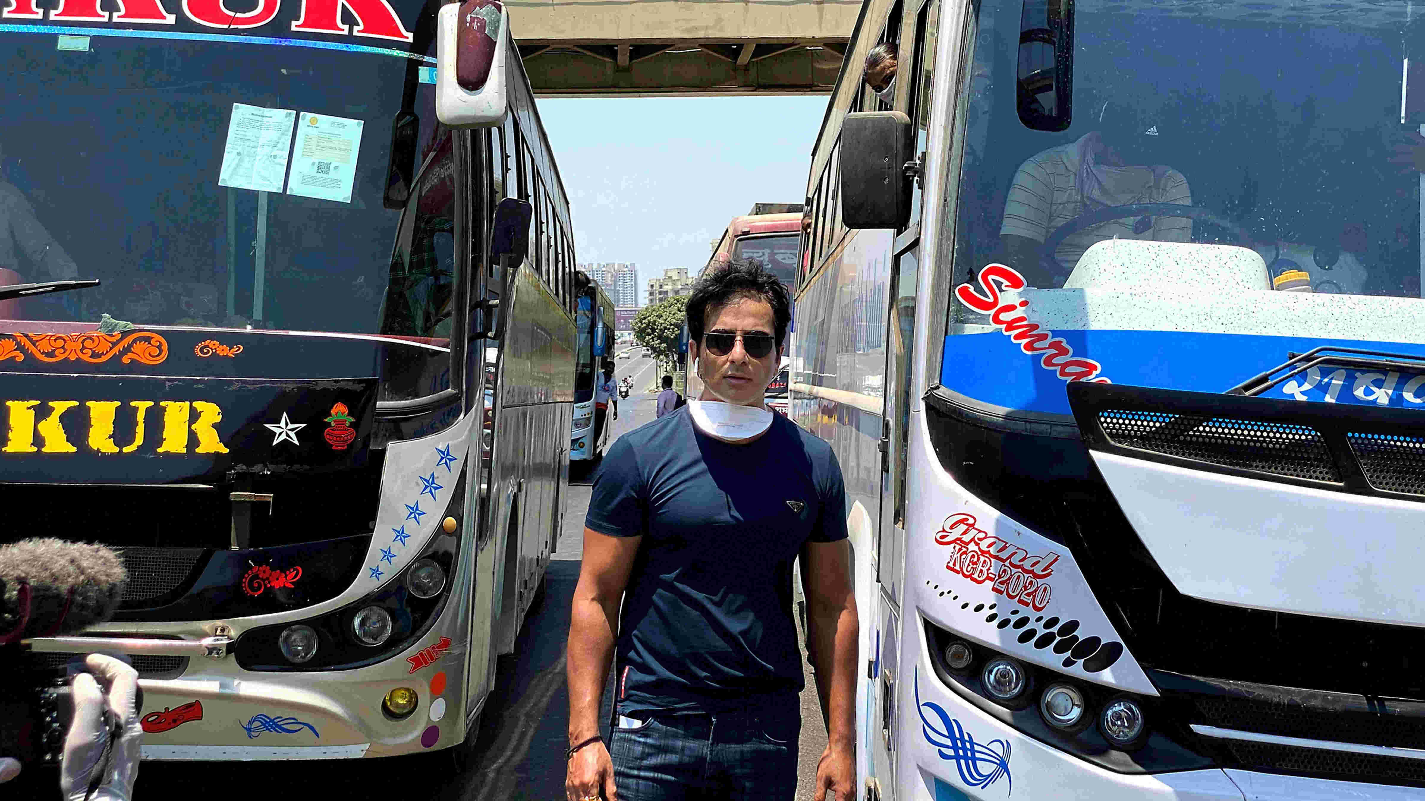 Sonu Sood while sending off 350 migrant workers to their native places, amid Covid-19 lockdown in Mumbai, Monday, May 11, 2020.