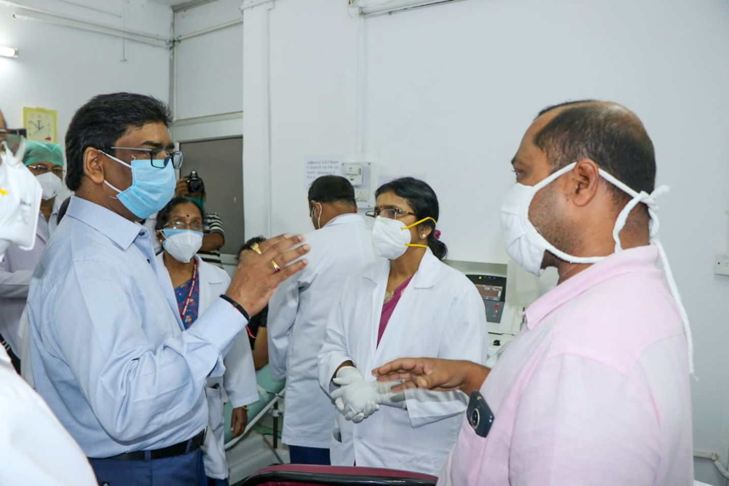 Hemant Soren at the state's first plasma bank after its inauguration at Rajendra Institute of Medical Sciences in Ranchi.