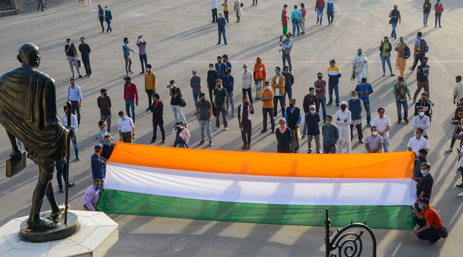 People in Shimla pay tribute to the Indian Army soldiers who were martyred during the standoff at the China border in Ladakh