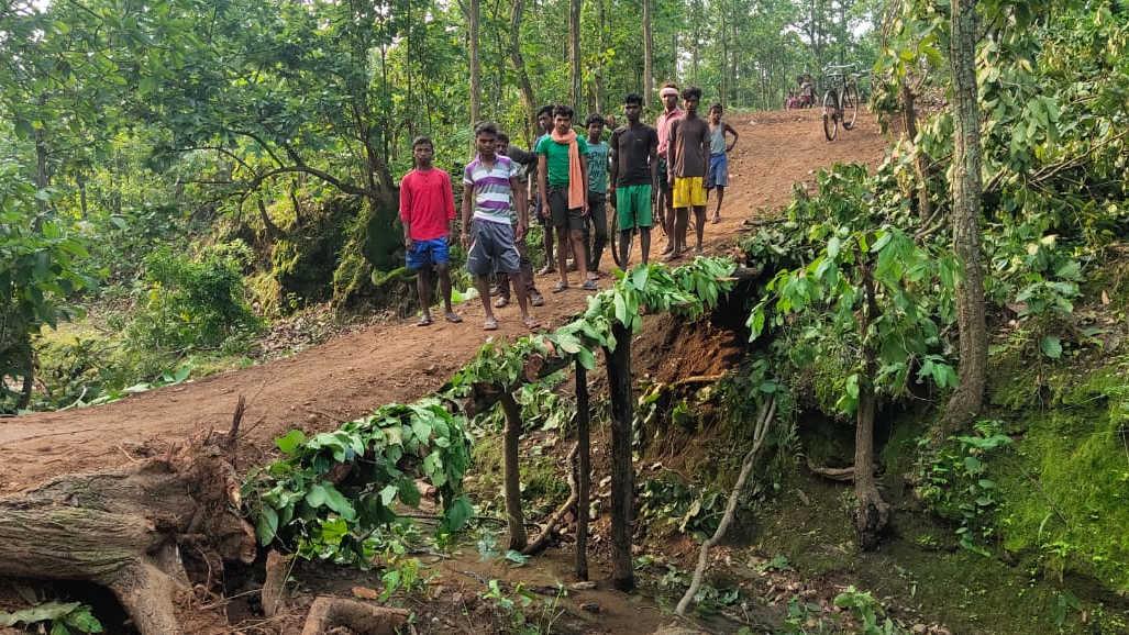 The bridge made by residents of Hardiya village in Hazaribagh on Thursday.