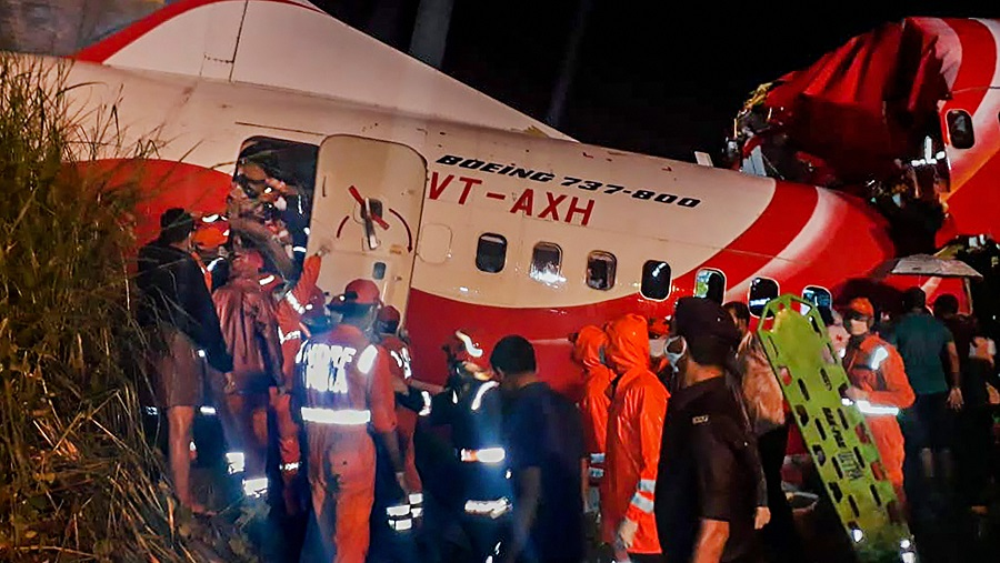 Three rescue flights reach Kozhikode to aid passengers