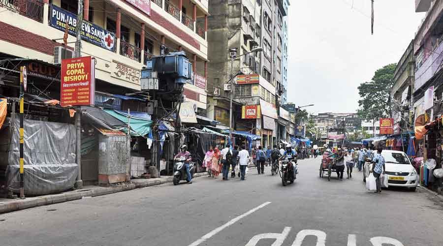 Shut shops along Kalakar Street in the Burrabazar area on Wednesday afternoon