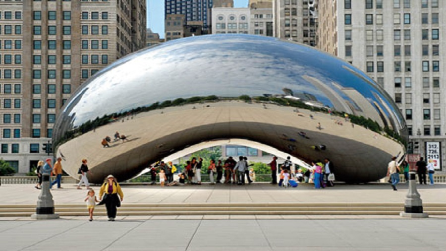 Cloud gate by Anish Kapoor