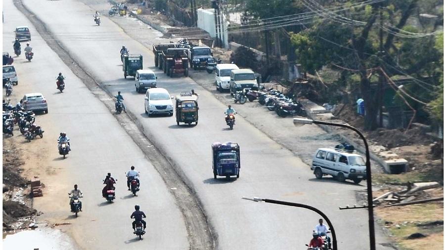 The Govindpur-Mahuda road in Dhanbad.