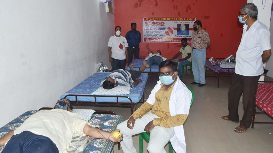 A blood donation camp was organised at Geeta Shree Bhavan, Durga Mandir, in Hirapur, Dhanbad, on Sunday by the Bengali Welfare Society in memory of member Tirthabrata Mitra who died of Covid-19. Twenty-six units of blood were collected.