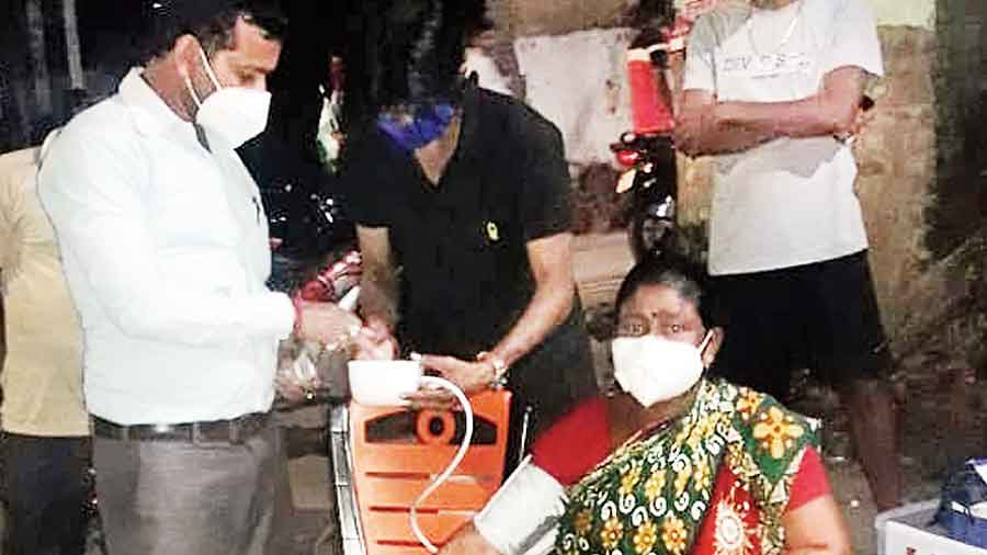 A Tamluk club hosts a health check-up for residents on Sunday evening
