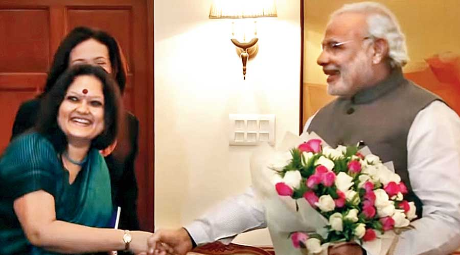 Ankhi Das with Narendra Modi in July 2014 during the visit of Facebook COO Sheryl Sandberg.
