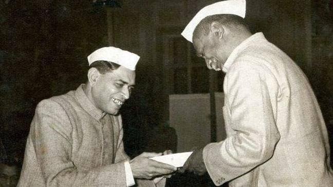 Dinkar with Dr Rajendra Prasad.
