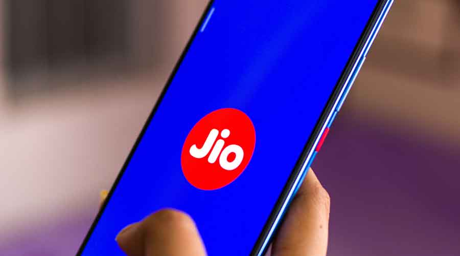 Reliance Jio has acquired 47.50Mhz from R-Com through trading