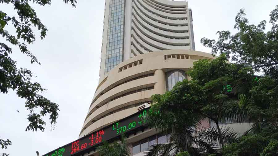 The BSE Sensex, which made a strong start and touched the 40000-mark in the morning session, surrendered all gains and plummeted over 1600 points from the day's high.
