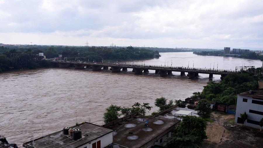 Jaiprakash Narayan Setu over the Subarnarekha river in spate at Mango, Jamshedpur, on Thursday