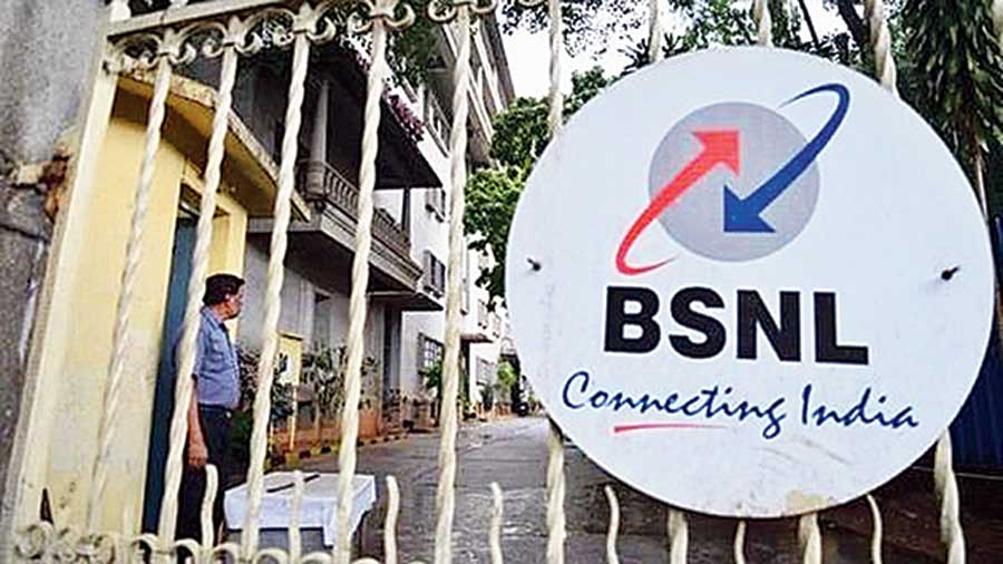 The union has urged the Centre to keep its promise and roll out 4G services to help the state-run telecom company compete with private players