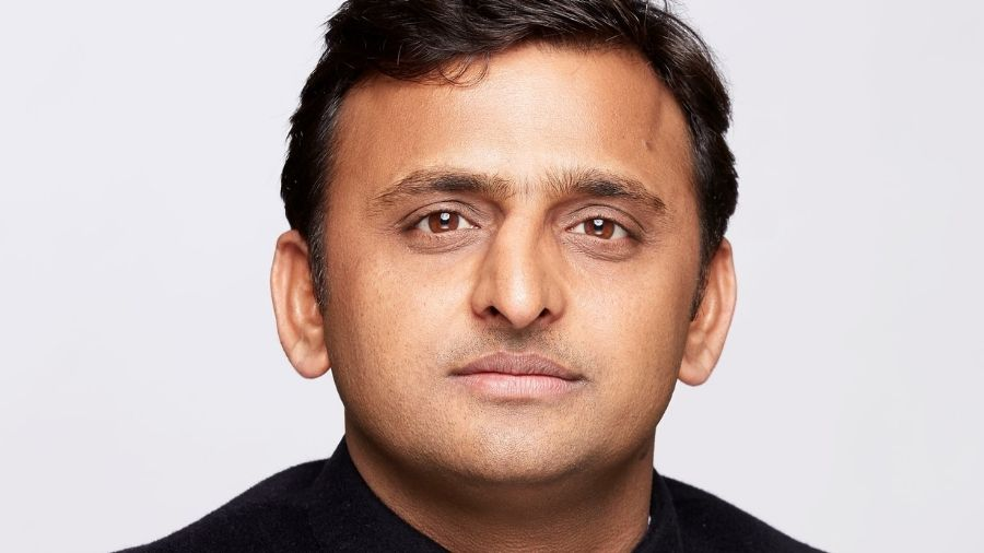 Akhilesh Yadav accused the government of making false promises of doubling the farmers' lands.