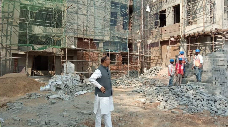 Jayant Sinha inspects the hospital on the premises of the medical college in Hazaribagh last month.