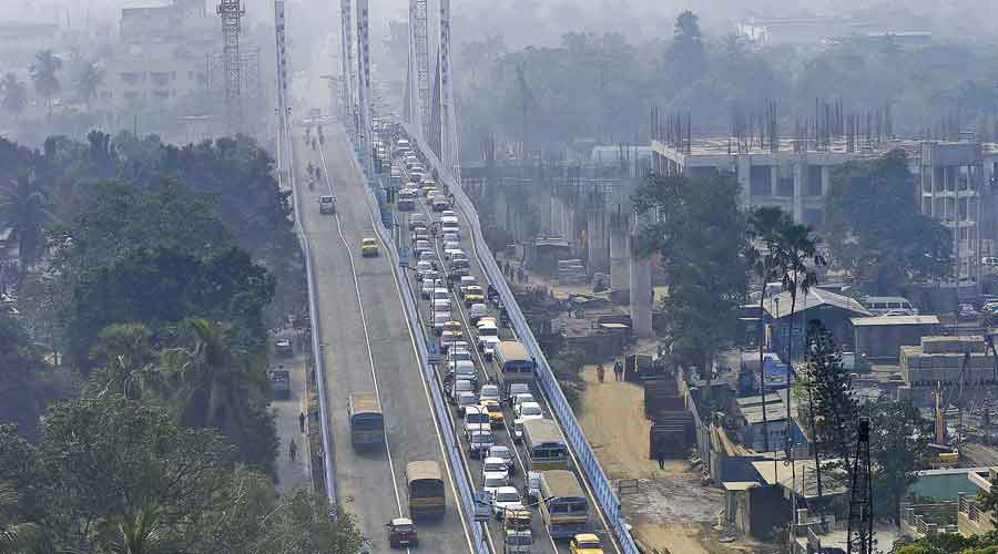 The Majerhat bridge with the Mominpore-bound flank packed with vehicles around 11am on Friday