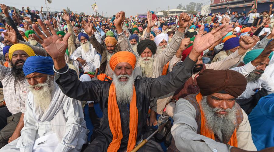 Govt invites farmers' unions for talks on Wednesday
