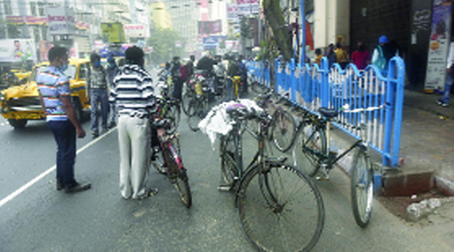 Traffic police ask cyclists not to ride down main roads