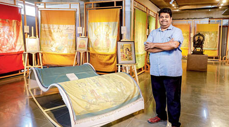 Gaurang Shah's Interlace at CCT Spaces showcases jamdani and tapestry weaving techniques