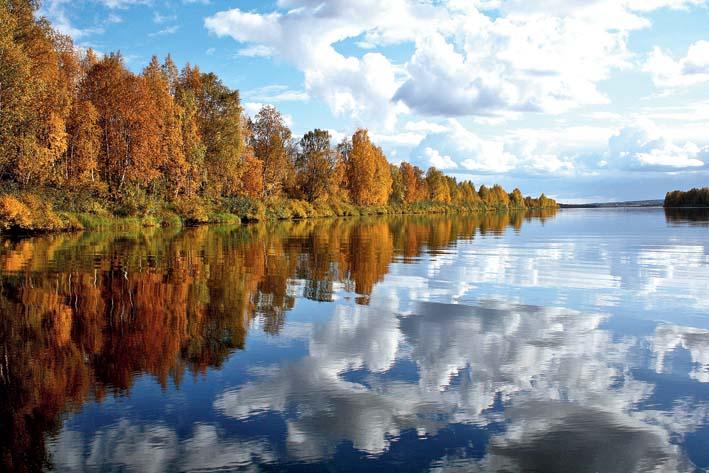 The Konkaiden Polku trail hike involves covering a stretch of River Raudanjoki in a canoe