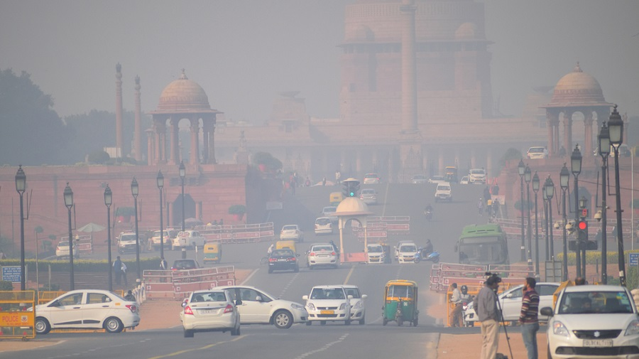 The minimum temperature rose to eight degrees Celsius as a result of easterly winds and a cloud cover over the national capital