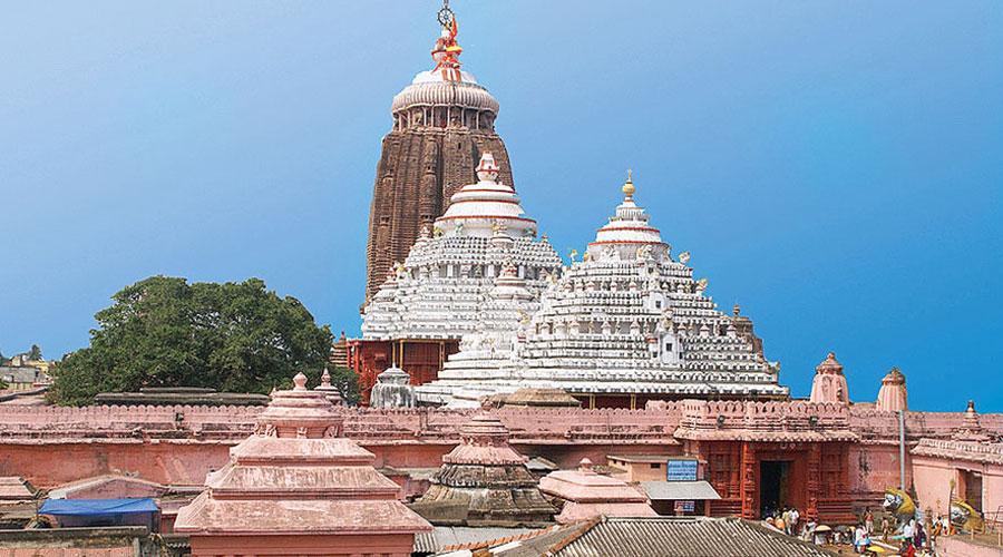 Kovind donates Rs 1 lakh to Puri temple