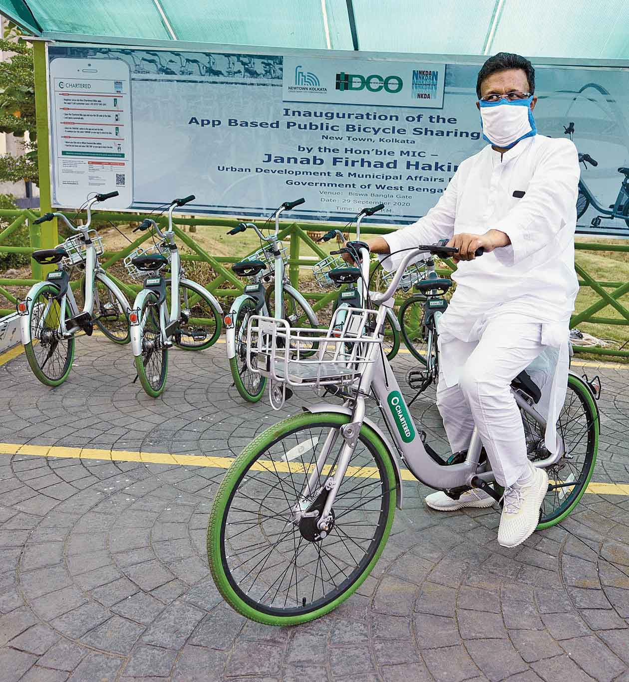 New Town got its first smart cycle stand on October 12 on a footpath outside the Nazrul Tirtha underpass