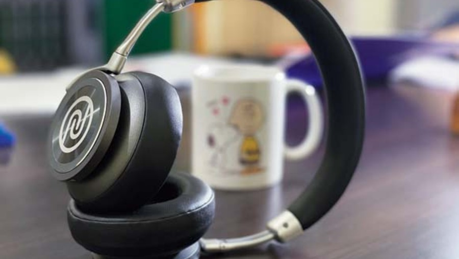 Noise Defy is a good entry-level ANC-enabled headphones.