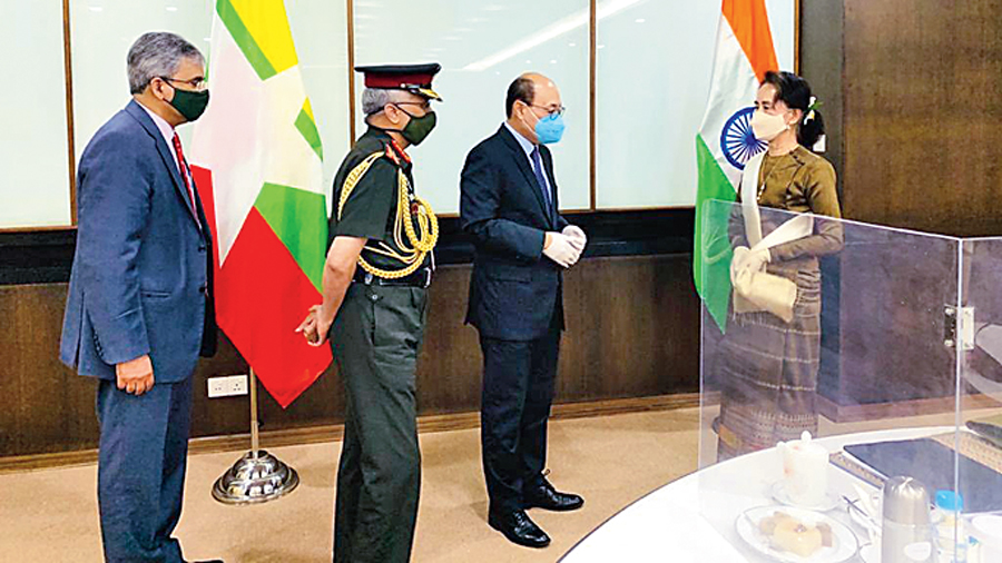 Chief of Army Staff General MM Naravane and Harsh V Shringla meeting with Aung San Suu Kyi on October 5, 2020.