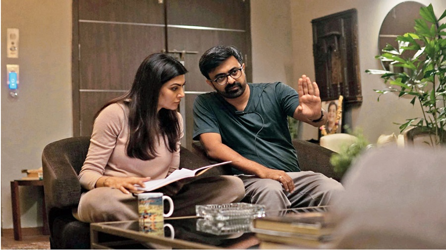 Sandeep Modi with Sushmita Sen on the sets of Aarya