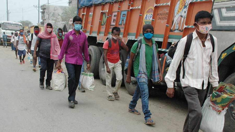 A row of migrants in Jamshedpur