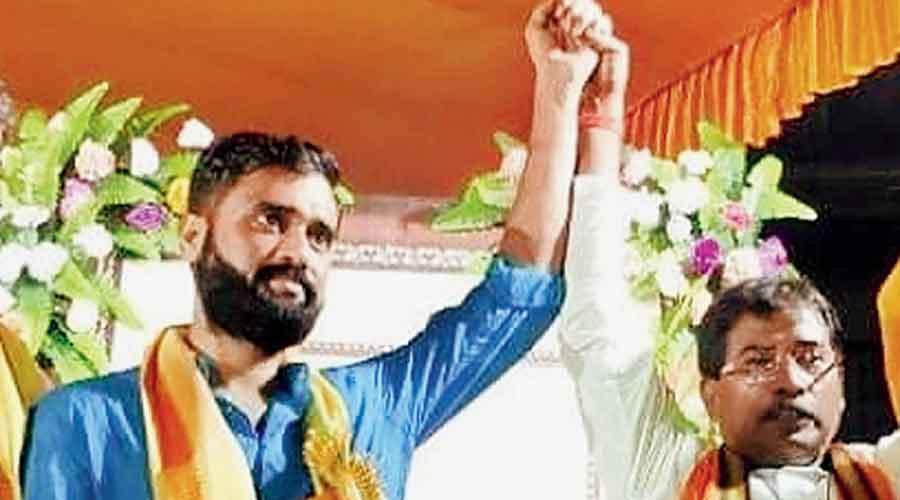 Subrata Thakur (left) and MP Jagannath Sarkar  in Kalyani on Monday night