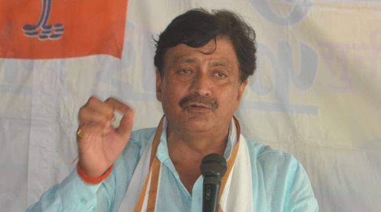 BJP leader's portfolio jibe at Scindia