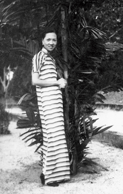 Kevin's grandmother Egan Hu, circa 1934