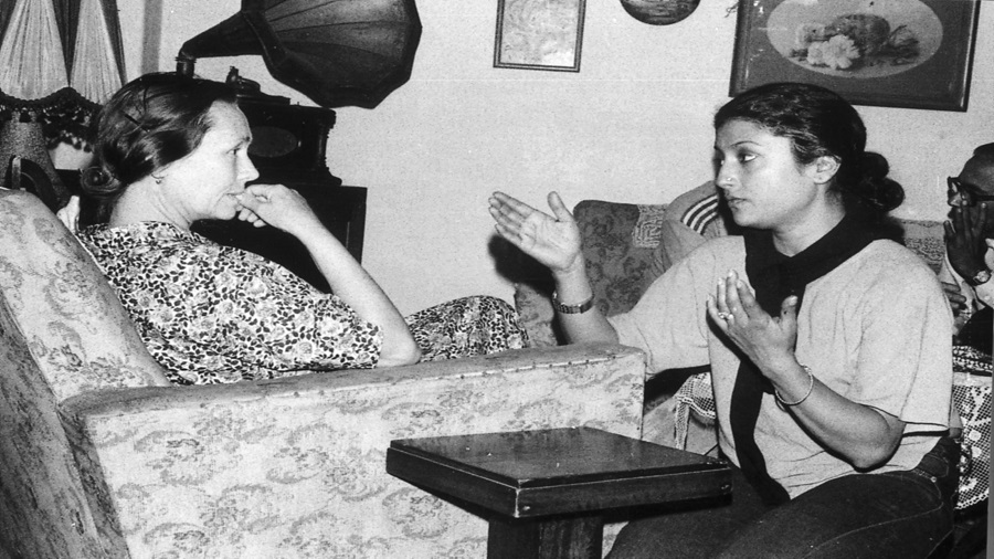 Frozen frame: Aparna Sen (right) discusses a scene with Jennifer Kendal during the shooting of 36 Chowringhee Lane