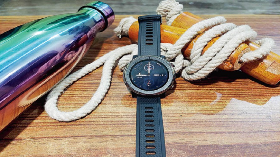 The Amazfit Stratos 3 comes with a good set of sensors, offering accurate readings. It also offers good battery life.