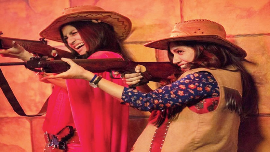 Konkona Sensharma and Bhumi Pednekar in Dolly Kitty Aur Woh Chamakte Sitare