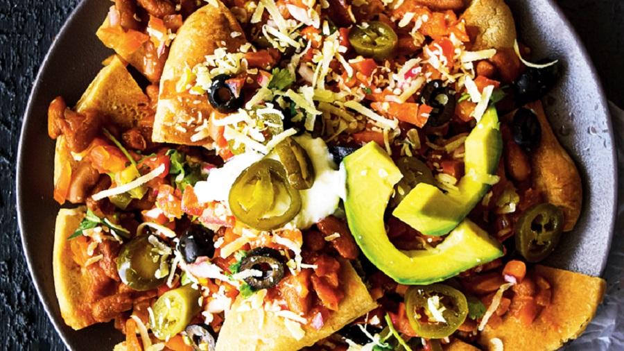 Healthy loaded nachos