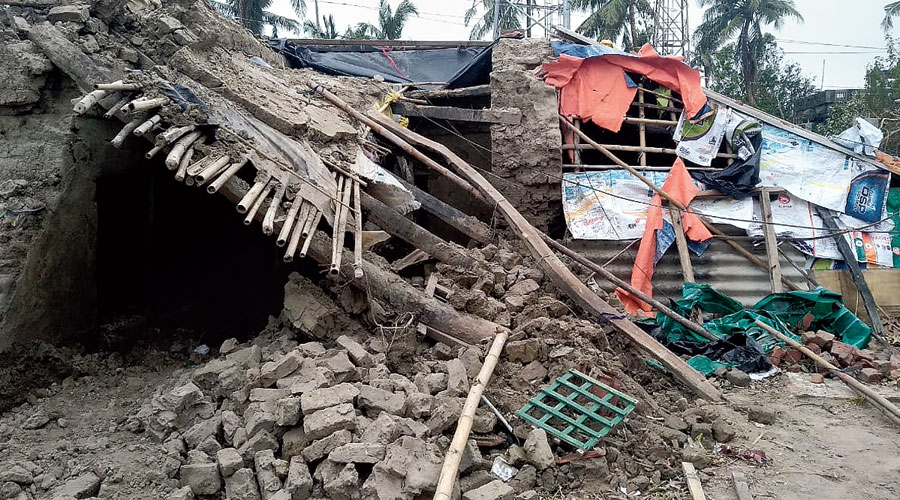 A house in East Midnapore's Khejuri damaged in Cyclone Amphan