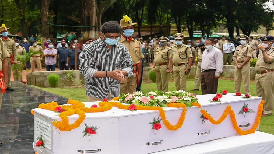 Chief minister Hemant Soren pays tribute to assistant under-inspector Chandraya Soren, who succumbed to injuries sustained during an encounter with criminals at Sahebganj, in Ranchi on Sunday. Chandraya, posted at Barheit police station in Sahebganj, was shot in the stomach while fighting criminals who had abducted a businessman on June 27. He died on Sunday at Medica Hospital. He is survived by his wife, an 8-year-old son and a 3-year-old daughter.