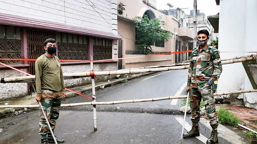 The containment zone at Rani Bazar in Katras, Dhanbad, where the house of the ill-fated family is located.