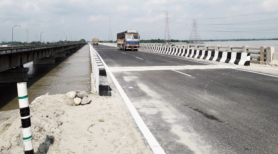 The second bridge over the Teesta river along NH27 on the outskirts of Jalpaiguri town.