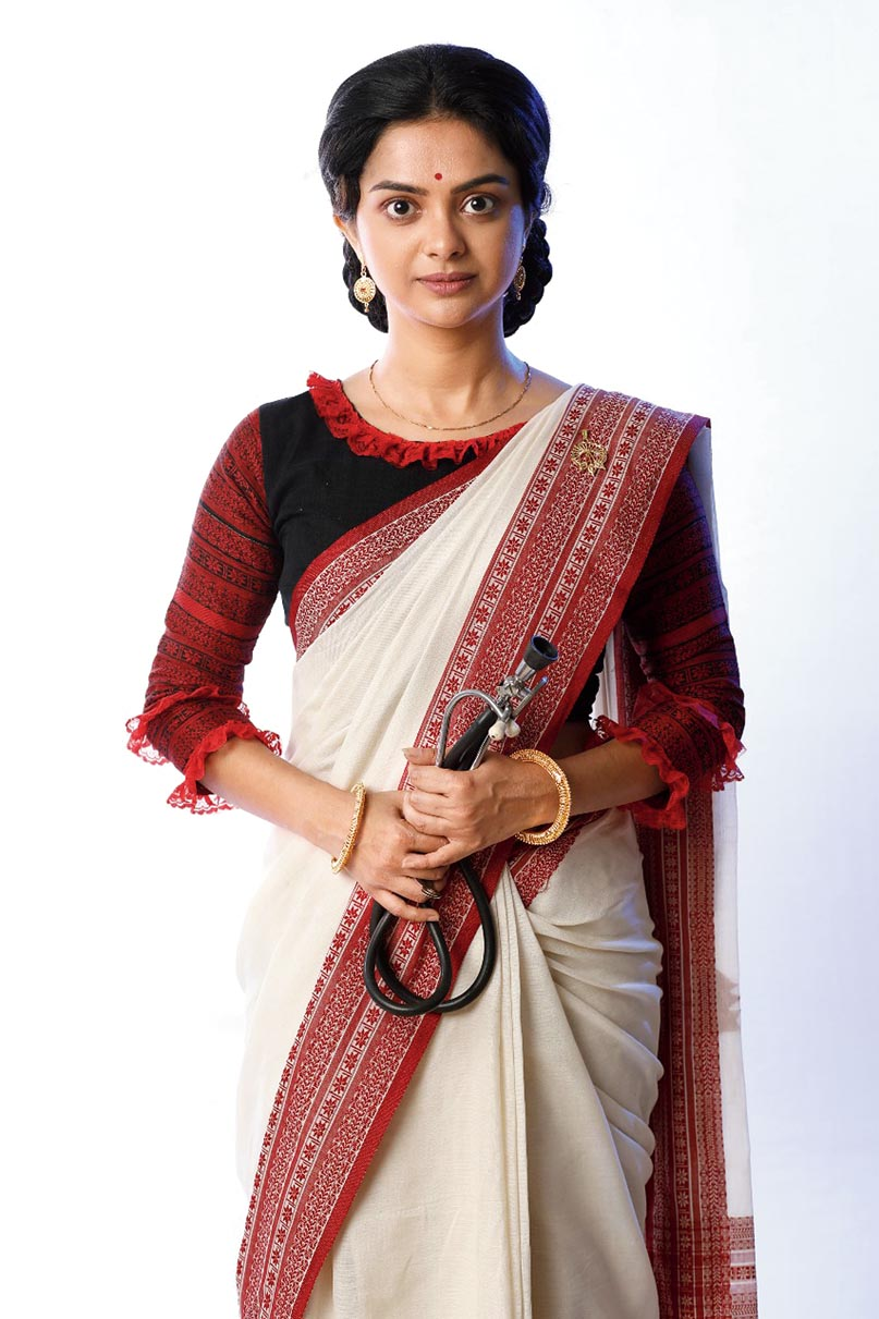 Solanki Roy as Kadambini Debi